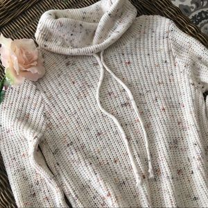 🍃🌸New: Beautiful Speckled Ivory Sweater🌸🍃